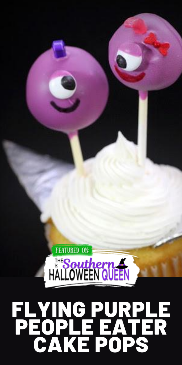These cake pops look just likeFlying Purple People Eaters Cake Pops! They're fun to make and even more fun to eat! via @southernhalloweenqueen